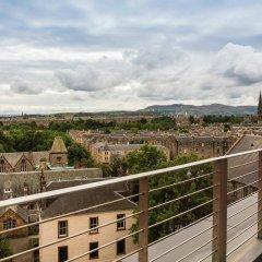 Отель Novotel Edinburgh Centre Великобритания, Эдинбург - отзывы, цены и фото номеров - забронировать отель Novotel Edinburgh Centre онлайн балкон