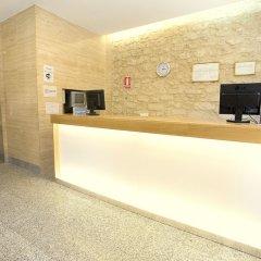 Отель Hostal La Lonja интерьер отеля фото 2