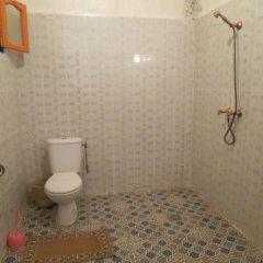 Отель Kasbah Le Berger Au Bonheur des Dunes Марокко, Мерзуга - отзывы, цены и фото номеров - забронировать отель Kasbah Le Berger Au Bonheur des Dunes онлайн ванная фото 3