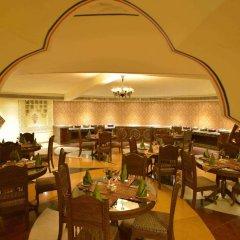 Отель Chokhi Dhani Resort Jaipur питание