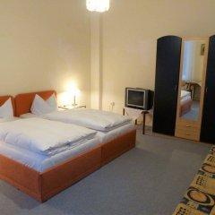 Отель Pension Brinn Германия, Берлин - отзывы, цены и фото номеров - забронировать отель Pension Brinn онлайн комната для гостей фото 3