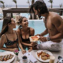 Отель Hard Rock Hotel Los Cabos - All inclusive Мексика, Кабо-Сан-Лукас - отзывы, цены и фото номеров - забронировать отель Hard Rock Hotel Los Cabos - All inclusive онлайн питание