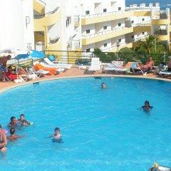 Отель Clube Meia Praia бассейн