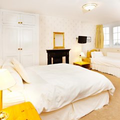 Отель St Raphael Guest House комната для гостей фото 2