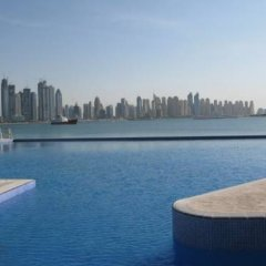 Отель Oceana The Palm Jumeirah бассейн