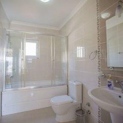 Villa Baysal 5 by Akdenizvillam Турция, Патара - отзывы, цены и фото номеров - забронировать отель Villa Baysal 5 by Akdenizvillam онлайн ванная фото 2