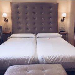 Hotel Los Tilos сейф в номере
