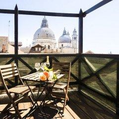 Отель Grand Canal Venetian Small Attic балкон