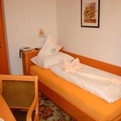 Отель Finkenhof Италия, Сцена - отзывы, цены и фото номеров - забронировать отель Finkenhof онлайн комната для гостей фото 5