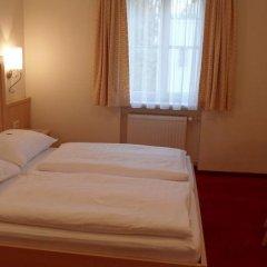 Отель Pension Katrin Австрия, Зальцбург - отзывы, цены и фото номеров - забронировать отель Pension Katrin онлайн сейф в номере
