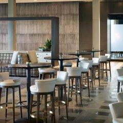 Отель Marriott Columbus University Area гостиничный бар