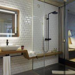 Отель 25hours Hotel Langstrasse Швейцария, Цюрих - отзывы, цены и фото номеров - забронировать отель 25hours Hotel Langstrasse онлайн ванная