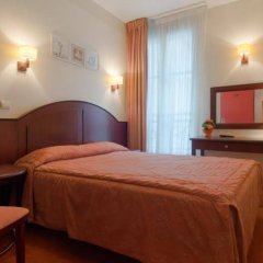 Hotel Le Faubourg сейф в номере