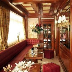 Champagne Palace Hotel развлечения