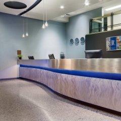 Отель Travelodge Hotel by Wyndham Montreal Centre Канада, Монреаль - отзывы, цены и фото номеров - забронировать отель Travelodge Hotel by Wyndham Montreal Centre онлайн интерьер отеля