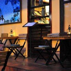 Отель Cat Cat Hotel Вьетнам, Шапа - отзывы, цены и фото номеров - забронировать отель Cat Cat Hotel онлайн гостиничный бар