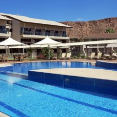 Отель Crowne Plaza Alice Springs Lasseters бассейн фото 2