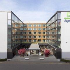 Отель Holiday Inn Express Zurich Airport Швейцария, Рюмланг - 1 отзыв об отеле, цены и фото номеров - забронировать отель Holiday Inn Express Zurich Airport онлайн парковка