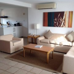 Sunrock Condo Hotel комната для гостей