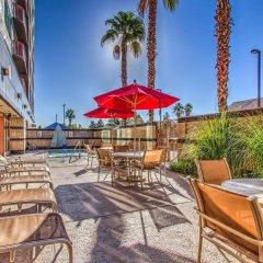 Отель Embassy Suites by Hilton Convention Center Las Vegas бассейн