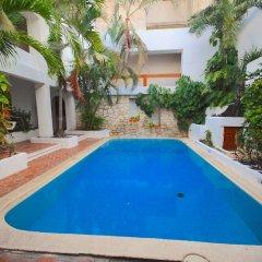 Отель Plaza Carrillo's Мексика, Канкун - отзывы, цены и фото номеров - забронировать отель Plaza Carrillo's онлайн бассейн фото 2