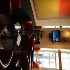 Отель Colonial House Inn США, Нью-Йорк - отзывы, цены и фото номеров - забронировать отель Colonial House Inn онлайн гостиничный бар