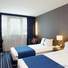 Отель Holiday Inn Express Lisbon Airport комната для гостей фото 5
