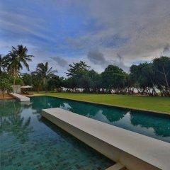 Отель Temple Tree Resort & Spa Шри-Ланка, Индурува - отзывы, цены и фото номеров - забронировать отель Temple Tree Resort & Spa онлайн бассейн фото 2