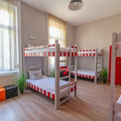 Full Moon Design Hostel Budapest Будапешт детские мероприятия