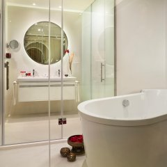 Отель Gran Melia Palacio De Los Duques ванная