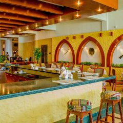 Отель Lou Lou'a Beach Resort ОАЭ, Шарджа - 7 отзывов об отеле, цены и фото номеров - забронировать отель Lou Lou'a Beach Resort онлайн гостиничный бар