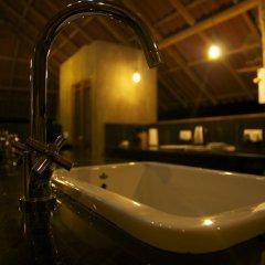 Отель Nisala Arana Boutique Hotel Шри-Ланка, Бентота - отзывы, цены и фото номеров - забронировать отель Nisala Arana Boutique Hotel онлайн ванная