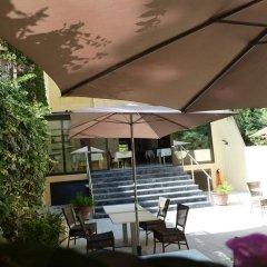 Отель Hôtel Saint Georges гостиничный бар
