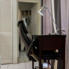 Отель Strathairn 110 by Pro Homes Jamaica Ямайка, Кингстон - отзывы, цены и фото номеров - забронировать отель Strathairn 110 by Pro Homes Jamaica онлайн сейф в номере
