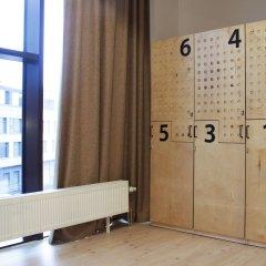 Хостел Netizen сейф в номере