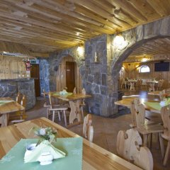 Отель Willa Znana Zakopane гостиничный бар