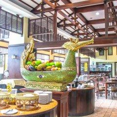 Отель Mike Garden Resort гостиничный бар