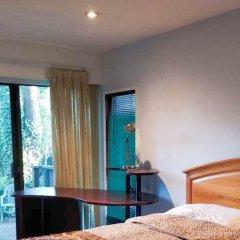 Отель Capilano Forest Little House Канада, Аптаун - отзывы, цены и фото номеров - забронировать отель Capilano Forest Little House онлайн комната для гостей фото 2