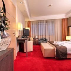 Отель Holiday Inn Belgrade Сербия, Белград - отзывы, цены и фото номеров - забронировать отель Holiday Inn Belgrade онлайн удобства в номере