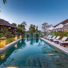 Отель Aleesha Villas бассейн