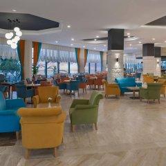 Отель Aska Just In Beach – All Inclusive гостиничный бар