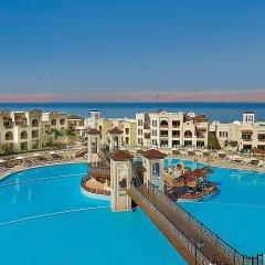Отель Crowne Plaza Jordan Dead Sea Resort & Spa Иордания, Сваймех - отзывы, цены и фото номеров - забронировать отель Crowne Plaza Jordan Dead Sea Resort & Spa онлайн бассейн фото 2