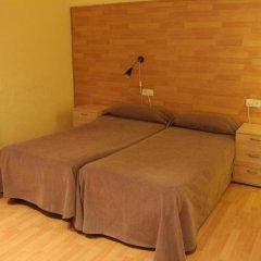 Отель Hostal Baires комната для гостей фото 3