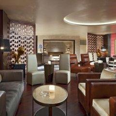 Отель Sheraton Qingyuan Lion Lake Resort гостиничный бар