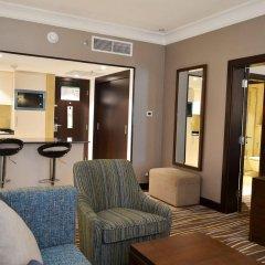 Отель Holiday Inn Abu Dhabi Downtown комната для гостей фото 5