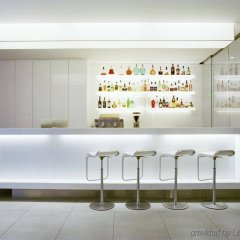 Отель The Pure гостиничный бар