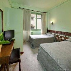 Отель Lyon комната для гостей