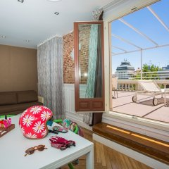 Отель Petit Palace Lealtad Plaza балкон