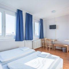 Отель a&o Dresden Hauptbahnhof 2* Стандартный номер с 2 отдельными кроватями