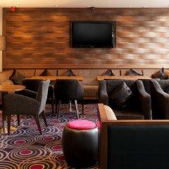 Отель DoubleTree by Hilton London Victoria интерьер отеля